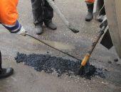 В Крыму глава райадминистрации остановил работу дорожников, которые клали асфальт в лужи