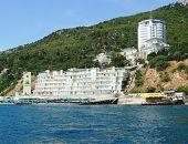 Глава Крыма Аксёнов готов запретить строить жильё в прибрежных зонах Ялты и Алушты