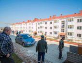 Переселенцы из защитной зоны Крымского моста получили новые квартиры в Керчи:фоторепортаж