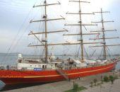 Парусник «Херсонес» всё лето будет курсировать между портами Крыма и Краснодарского края