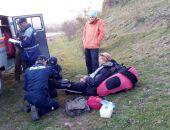 Спасатели Крыма оказали помощь пострадавшему при приземлении парапланеристу