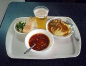 За год в Крыму обед в столовой подорожал на 7%, ужин в ресторане - на 12%