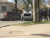 В столице Крыма сегодня в ДТП перевернулся внедорожник (фото)