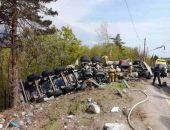 Сегодня в Крыму близ Алушты в жутком ДТП легкового авто и «фуры» погибли два человека (фото)