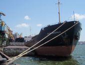 Спасатели подняли на борт одного моряка с сухогруза «Герои Арсенала», еще четверо обнаружены живыми
