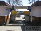 В Феодосии Первый городской пляж утопает в мусоре