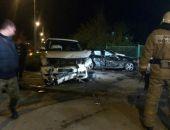 В Евпатории в ДТП автомобилей Range Rover и Mercedes травмированы три человека (фото)