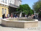 В Феодосии заработал фонтан на Музейной площади:фоторепортаж