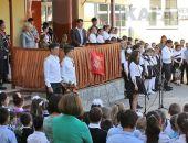 Школьники села Ближнее и кубанские казаки приняли участие в мероприятиях ко Дню Победы (видео)