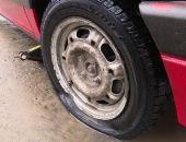 В Крыму водитель попал колесом в яму и отсудил полмиллиона рублей