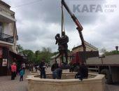 Фонтан на Музейной площади Феодосии дополнили скульптурой:фоторепортаж