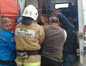 В Крыму спасатели оказали помощь ребенку, который упал и проткнул бедро арматурой (фото)