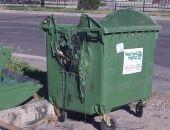 В Феодосии вандалы уничтожают мусорные контейнеры
