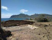Началась застройка холмов волошинской Киммерии на побережье в Тихой бухте