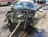 В Крыму на трассе Ялта – Симферополь столкнулись два легковых авто (фото):фоторепортаж