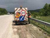 Министр транспорта пригрозил «Крымавтодору» штрафами за мусор и ямы на крымских трассах
