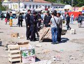 В столице Крыма к борьбе со стихийными торговцами подключили войска Росгвардии и полицию (фото)