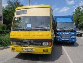 В Феодосии сегодня на перекрестке Советской и Галерейной столкнулись автобус и грузовик