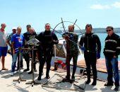 В Феодосии установили подводные инсталляции