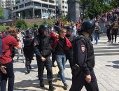 В России проходят антикоррупционные шествия, начались массовые задержания