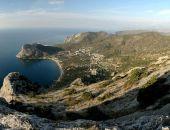 В Крыму в Новом Свете за один час спасатели дважды снимали туристок с опасных склонов гор