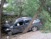 Сегодня вечером в Феодосии автомобиль врезался в стену ограждения Казанского собора