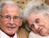 Британская пара отметила дубовую свадьбу - 80 лет в браке