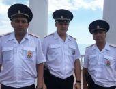 В Крыму полицейские спасли утопающую, которую не смогли найти спасатели