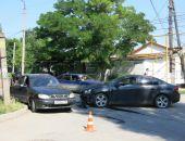 Сегодня в Феодосии столкнулись два легковых автомобиля (фото)