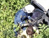 В Крыму спасатели МЧС освобождали пострадавших из опрокинувшегося легкового авто (фото)