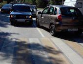 В Феодосии на пешеходном переходе иномарка сбила молодого человека (фото)