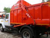 Чтобы сохранить плитку на набережной, власти Судака купили лёгкий мусоровоз за 1,8 млн. рублей