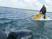 Вчера спасли двух отдыхающих, которых течение унесло от берега на сломанном гидроцикле