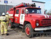В Приморском произошел пожар в двухэтажном гараже