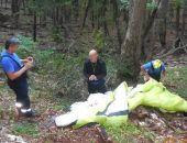 Вчера в Крыму сняли с дерева неудачливого парапланериста