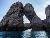 Спасатели «Крым-Спас» сняли со скалы в Новом Свете двух туристов из Обнинска