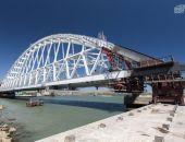 Крымский мост: железнодорожную арку передвигают и готовят к погрузке на понтоны (фото)