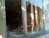 В Феодосии хулиган разбил окна детской больницы