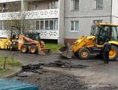 В столице Крыма начнут ремонт внутридворовых дорог и тротуаров, на это потратят более 100 млн. рублей