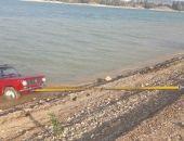В Крыму водитель утопил свой автомобиль, его доставали из воды спасатели (фото)