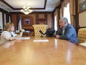 Сотрудники крымских больниц пожаловались Аксёнову  на низкие зарплаты