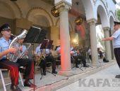 Военный духовой оркестр дал концерт в Феодосии ко Дню государственного флага России