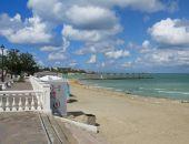 В Севастополе Роспотребнадзор нашел в море кишечную палочку и закрыл несколько пляжей