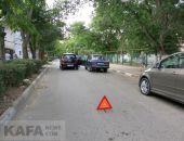 Сегодня утром в Феодосии не разъехались два автомобиля в переулке Галерейном