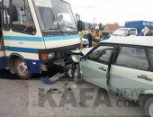 В Судаке на автостанции сегодня автобус врезался в ВАЗ, есть пострадавшие