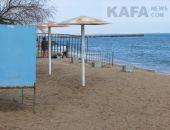 Феодосийцы убрали пляж «Динамо»