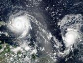 В Атлантике сформировались сразу три урагана, - впервые за семь лет