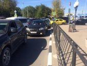 Новая парковочная система стала причиной транспортного коллапса в аэропорту Симферополя