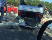 Сегодня в столице Крыма на Евпаторийском шоссе микроавтобус протаранил легковушку (фото)