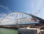 Сегодня в Керчи начали перемещать автодорожную арку Крымского моста к месту погрузки на плавопоры